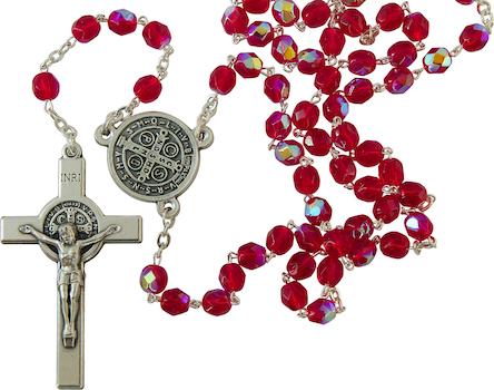 Chapelet de saint Benoît en verre de Bohême rouge profond