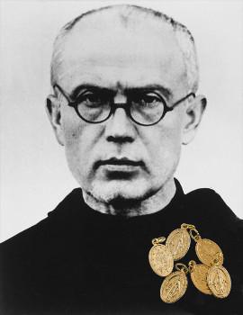 Saint Maximilien Kolbeet la médaille miraculeuse